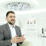 Barber Mo SKILLS Dubai Barbershop Smiling