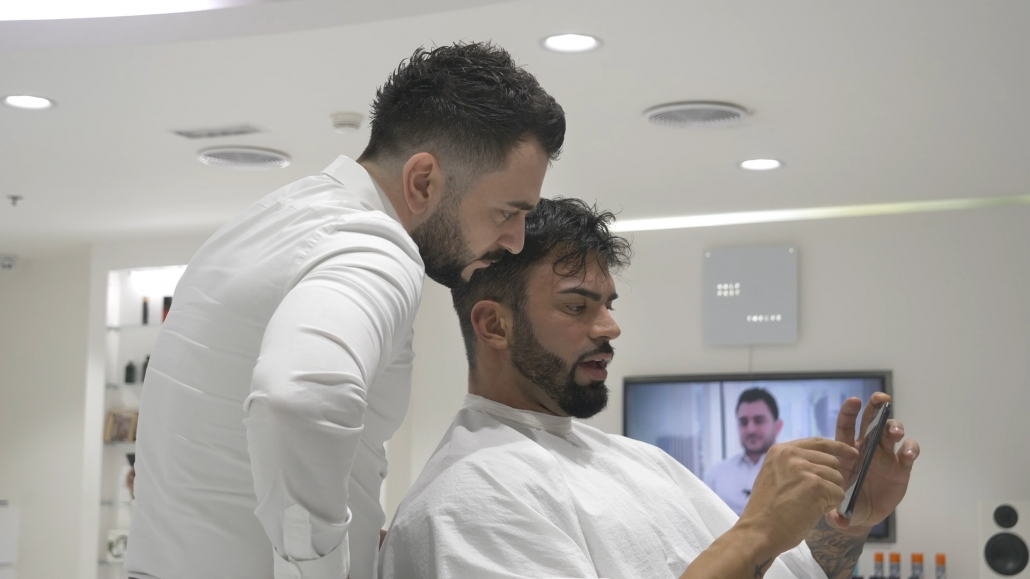 Sergi Constance sharing details with Barber Mo